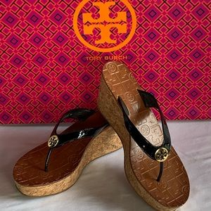 Tory Burch Black Patent Cork Wedge Sandals Sz 9.5